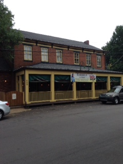 The front of Hendel's Market Cafe'.